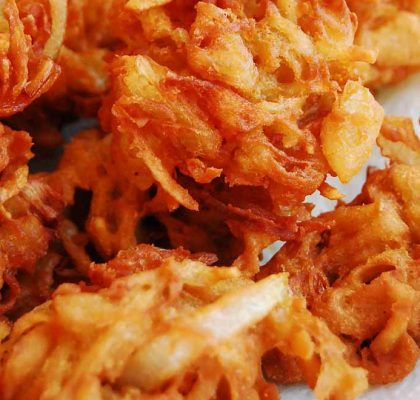 Mumbai style onion Bhajiya recipe by Rasoi Menu
