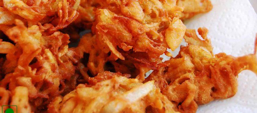Mumbai Style Onion Pakora Recipe